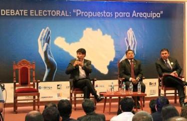 20141007042142-11debate.jpg